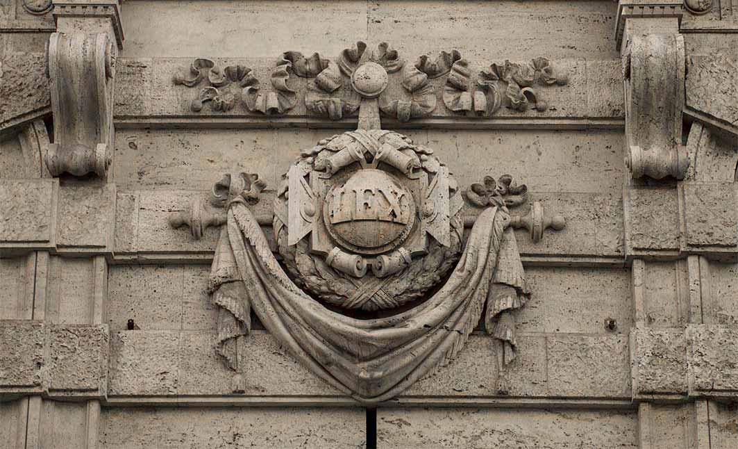 Sulla modifica unilaterale in peius delle mansioni dopo il Jobs Act e sulle prospettive di concreto utilizzo, a fronte dei presupposti formali e sostanziali di cui all'art. 2103, commi 2 e 5, c.c.